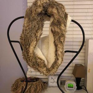 AE loop scarf